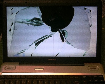Broken notebook laptop screen display LCD panel repair in Greenville, SC